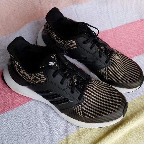 Adidas Rapidarun unisex kids sz 3